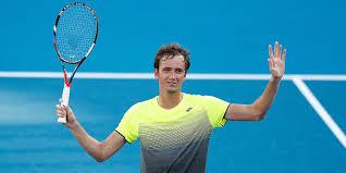 Медведев в ближайшее время обойдёт Федерера и станет четвёртой ракеткой мира