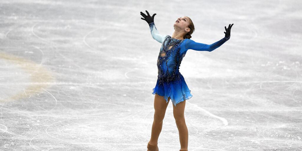 Впервые в истории на пьедестал взобрались сразу три спортсменки из России